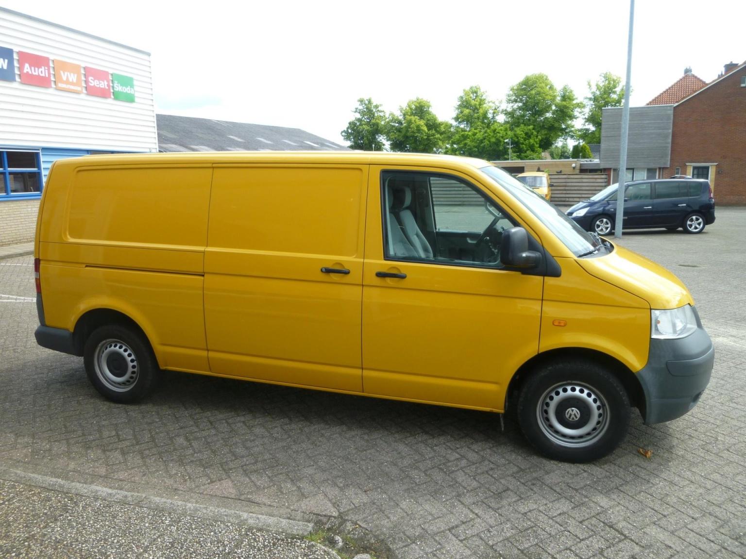 Volkswagen-Transporter-7