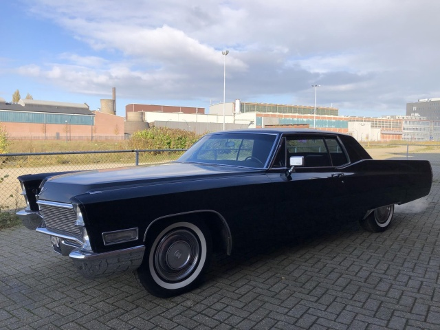 Cadillac-Coupe Deville