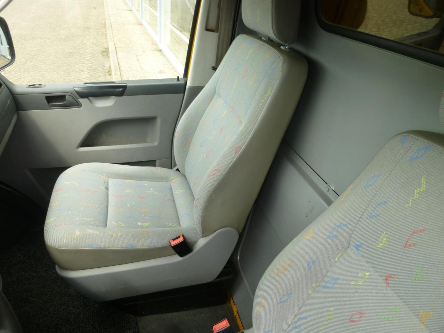 Volkswagen-Transporter-18