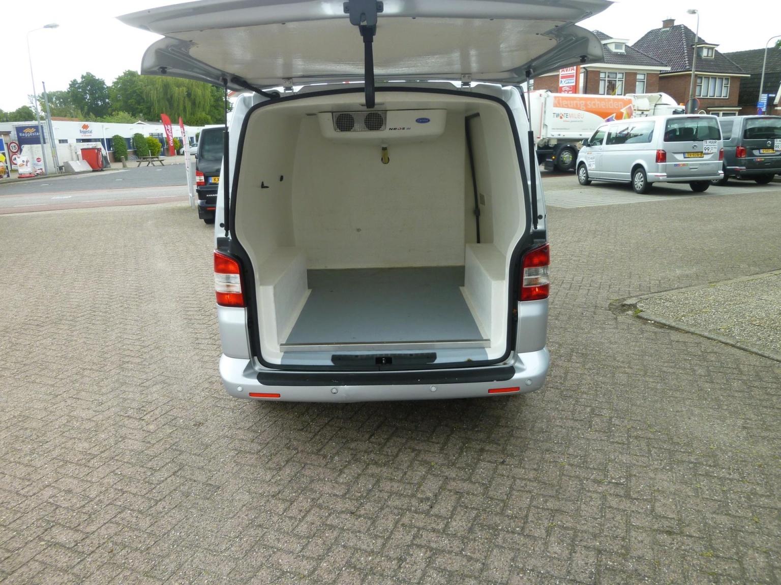 Volkswagen-Transporter-34