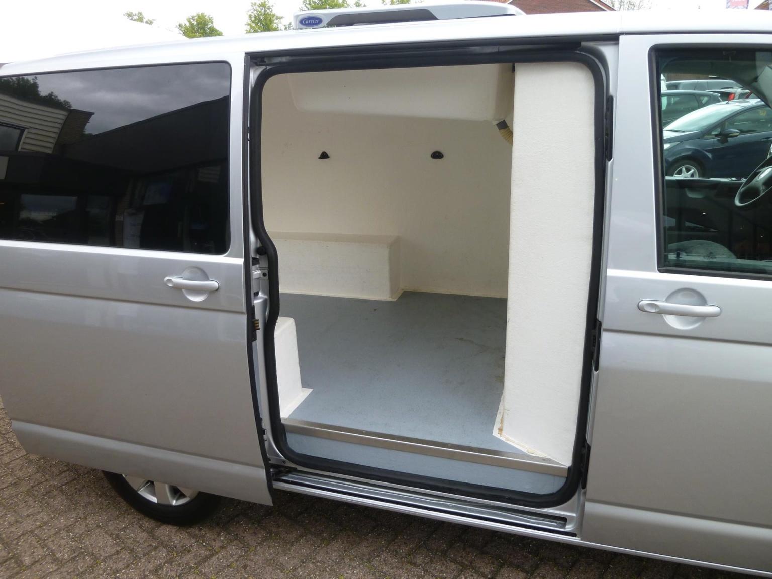 Volkswagen-Transporter-35