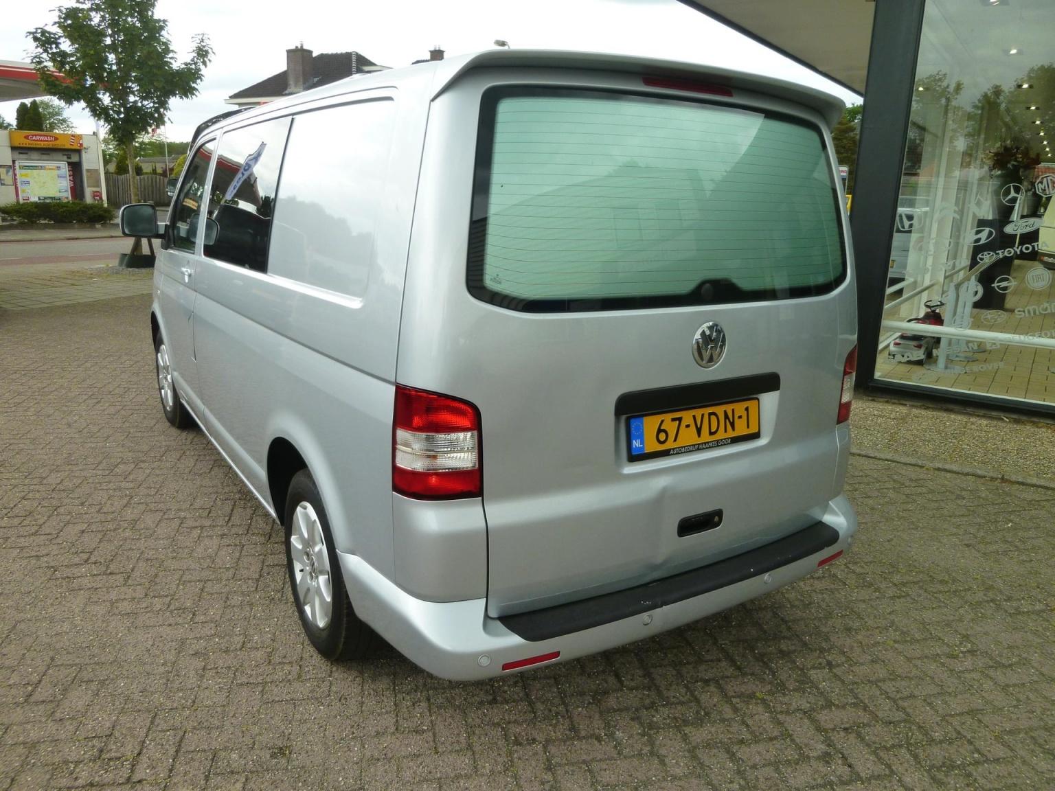 Volkswagen-Transporter-8