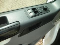 Volkswagen-Transporter-10
