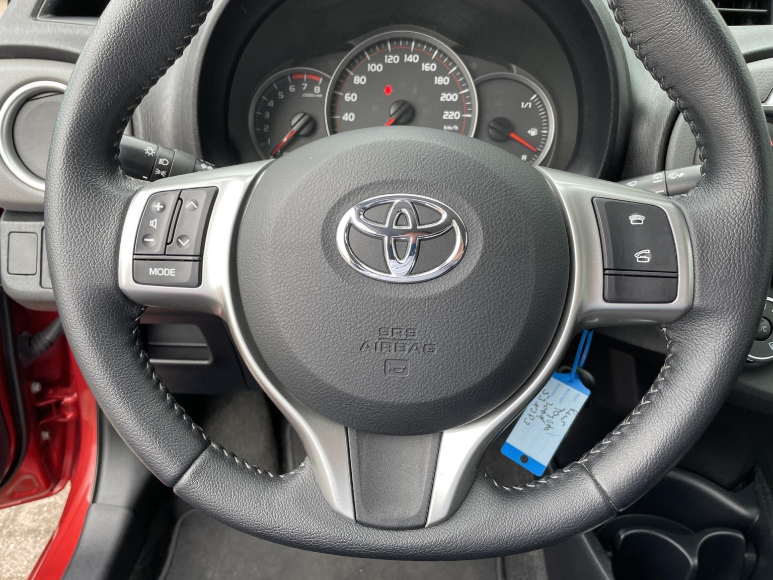 Toyota-Yaris-25